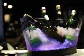 porte seau a champagne sur pied seau à champagne gran pagoda 6 bouteilles transparent italesse