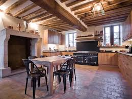 cuisine maison ancienne renovation cuisine ancienne la cornue vintage antiquity la