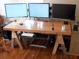 pc gaming desk setup s