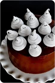 Unique Halloween Cakes Best 20 Ghost Cake Ideas On Pinterest Cake Boos Spooky