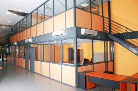 cloison aluminium bureau cloison industrielle types utilité installation prix ooreka