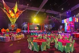 carnival themed party dining table centerpieces decor carnival themed corporate events
