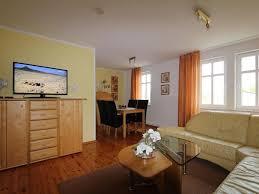 Wohnzimmer Und Schlafzimmer In Einem Ferienwohnung U0027haus Sonne U0027 Fewo Direkt