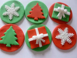 Make Christmas Cake Decorations Out Icing by The 25 Best Christmas Cupcakes Ideas On Pinterest Christmas