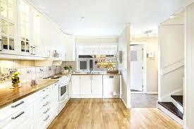 cuisine blanche et plan de travail bois plan de travail bois cuisine ordinary cuisine blanche plan travail