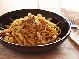 Cooking Italian Comfort Food Chicken Carbonara Recipe Giada De Laurentiis Food Network