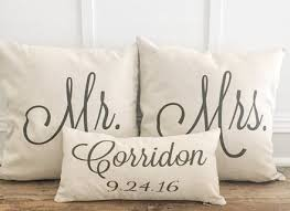 mr and mrs pillow mr and mrs pillow objectifsolidarite2017 org