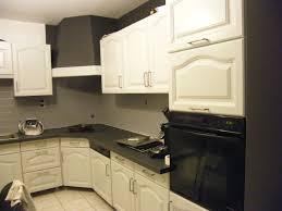 r cuisine rustique cuisine rustique repeinte en blanc avec r nover une cuisine comment