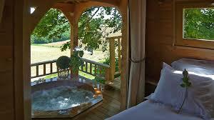 chambre d hote cabane dans les arbres où peut on passer un weekend insolite en aquitaine louer chambre