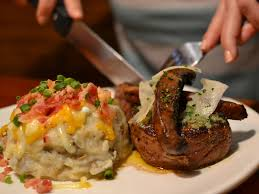 outback steakhouse open on thanksgiving the 20 best chain restaurants in america aol finance