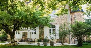 bed breakfast in sarlat 24 périgord dordogne les peyrouses castle of maraval luxury bed and breakfast in perigord