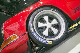 porsche singer engine singer brings two reimagined porsche 911s to 2017 detroit auto