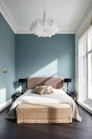 les meilleur couleur de chambre decoration couleur pour agrandir une pièce mur accent bleu gris