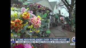 Home Design Story App Neighbors by Cleveland House Covered In Fake Flowers U0026 Decorations Angers