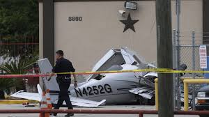 Ace Hardware Westheimer Houston Texas 3 Dead After Plane Crashes Into Car Near Houston Airport La Times