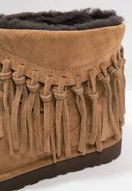 ugg wynona sale ugg sparkle boots dillards ugg wynona winter boots chestnut