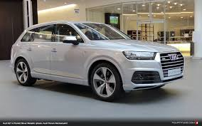 new audi q7 in florett silver metallic at audi forum neckarsulm