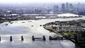 thames barrier ks2 effect of flooding in london without the thames barrier daily mail