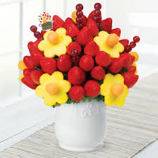 edible arragement edible arrangements fruit baskets blooming daisies