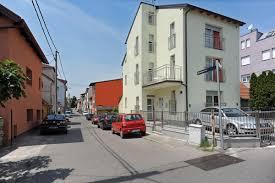 Schreibtisch Mit Erbau Ferienwohnung 1 4 2 Ferienwohnung Mit Charme Una Zagreb