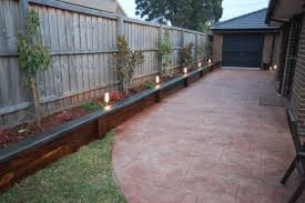 i like the side boxes raised garden bed along the fence that can