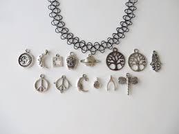 choker necklace charms images A os 90 tatuaje gargantilla con encanto bijou pinterest jpg
