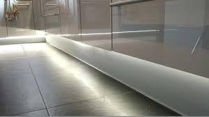 ruban led cuisine lumiere sous meuble haut cuisine ruban led sous un meuble de