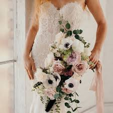 bridal flowers the 10 most popular wedding flowers of all time brides