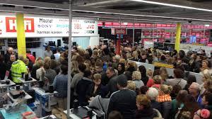 ugg sale event drukte bij media markt breda ivm de ugg actie