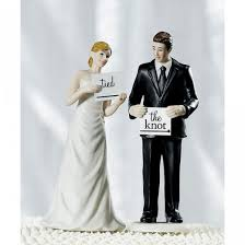 and chain cake topper the wedding cake topper a personal and artistic choice hubpages