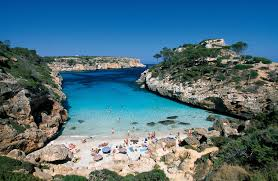 where is the best area to stay in mallorca spain