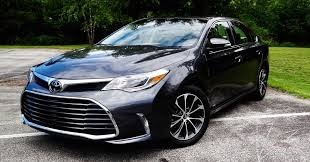 toyata 2017 avalon review toyota taught a new dog old tricks