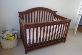 Europa Baby Palisades Convertible Crib Europa Baby Palisades Convertible Crib Classic Cherry And
