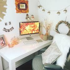 7 Ideas for DIY Autumn Dorm Room Decor