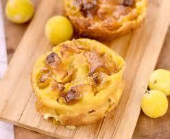 cuisiner les mirabelles clafoutis aux mirabelles ou aux quetsches recette de clafoutis