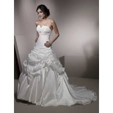 strapless sweetheart neckline short length lace wedding dress