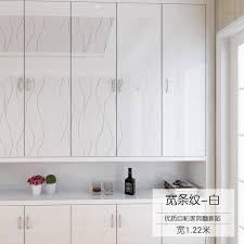autocollant pour armoire de cuisine adhesif pour meuble cuisine affordable mlamine papier papier