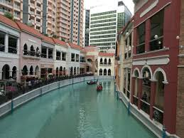 shoing canap venice like shopping plaza in manila picture of venice grand canal