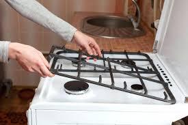 cuisine au gaz cuisine au gaz le mactal de prise de femme au foyer