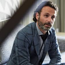 rick grimes hairstyle the walking dead s andrew lincoln style special