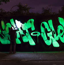 glow in the spray paint paint petagadget