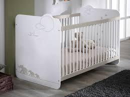 chambre bébé bois naturel brut naturel meuble couleur idee chambre agencement originale garcon