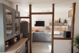 küche massivholz landhausküchen im modernen wohnumfeld küchenhaus thiemann