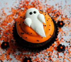 ghosts royal icing cake and cupcake toppers halloween fun 12