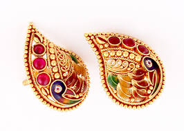 gold ear studs buy gold earrings in pune p n gadgil and sons