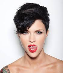 exciting shorter hair syles for thick hair 24 cool and easy short hairstyles styles weekly