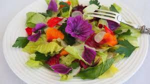les fleurs comestibles en cuisine salade de fleurs comestibles recette par valérie du 1 2 3