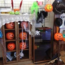 halloween spirit store goodwill southern california retail store 41 photos u0026 27 reviews