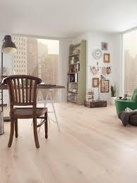 Tarkett Laminate Flooring Dealers Heritage Eik Lime Stone Børstet Fra Atelier Collection Har Et