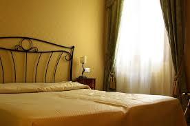 colore rilassante per da letto gallery of tende da da letto classiche camere da letto